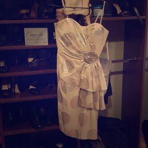 Maggie London strapless Dress